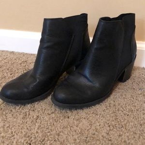 BLACK CHELSEA BOOT SIZE 8